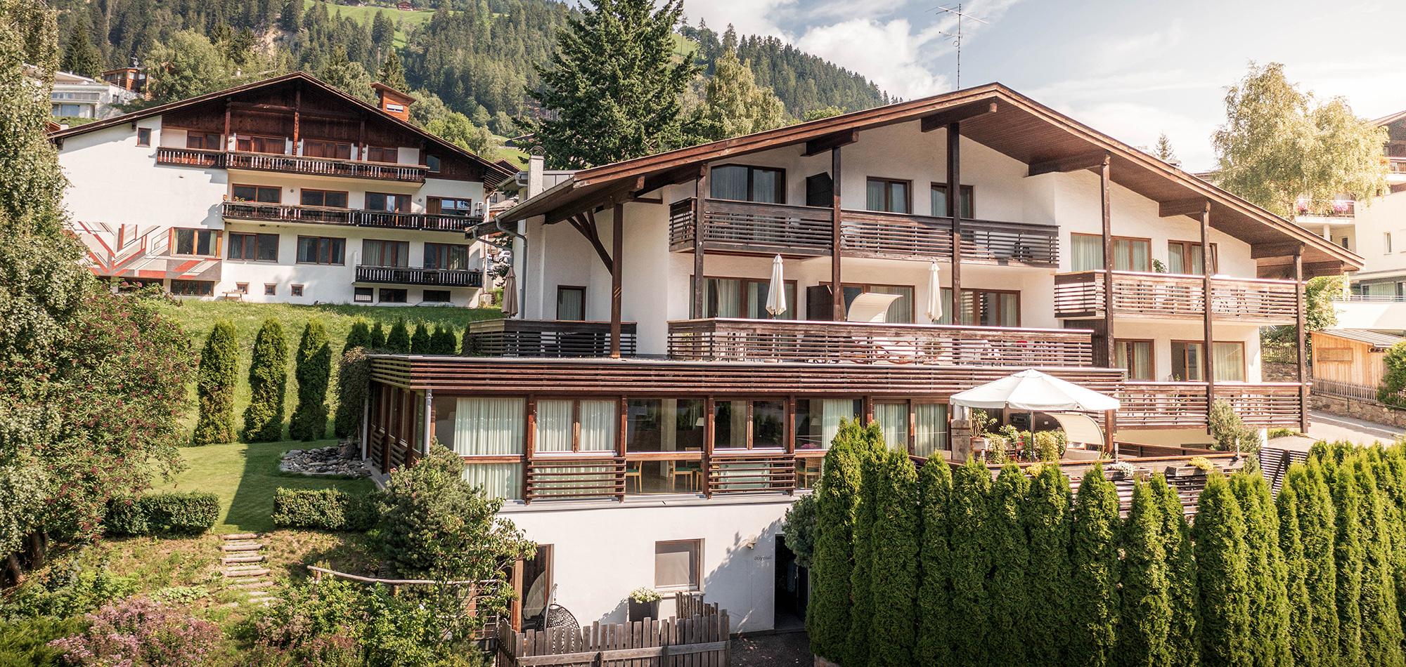 Pöder daheim in den Bergen Ultental Südtirol